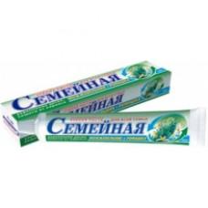 Лечебно-профилактическая зубная паста «Семейная» Можжевельник и ромашка в футляре 100г.