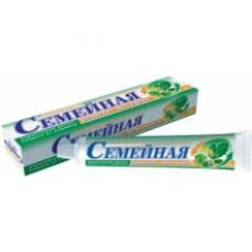 Лечебно-профилактическая зубная паста «Семейная» Дубовая кора+мать-и мачеха в футляре 100г.