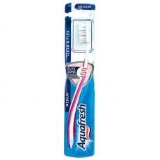 Aquafresh Зубная щетка Clean & Flex